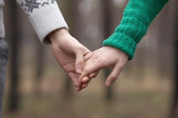 両親の馴れ初めを覗いてみると、意外にもロマンチックな展開が?