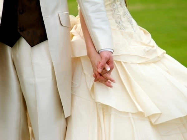 手を取り合って、二人の結婚生活を築いていきたいもの