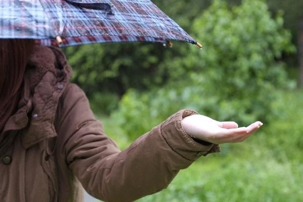 気になるあの人に『雨にまつわる思い出』を聞いてみよう!