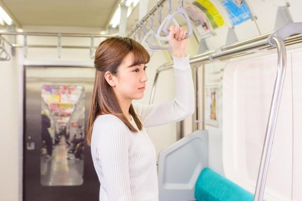 電車の中でマナーを保つ秘訣は「誰かに見られている」という意識