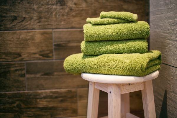 バスタオルは横にしてジグザグに干すと乾きやすい!