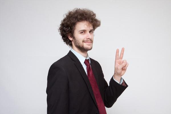 印象の良い男性の写真ポーズ集