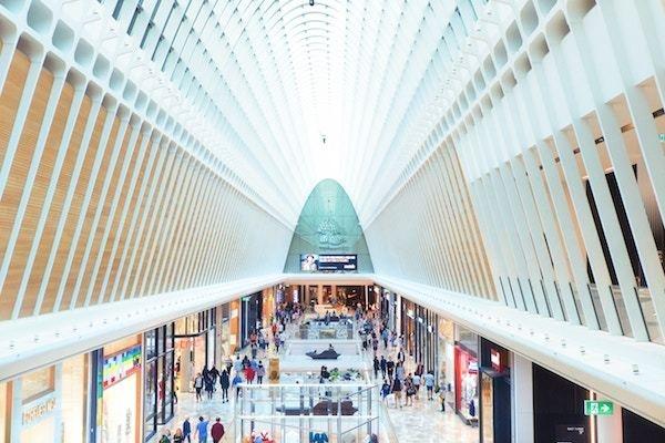 大型ショッピングモール、どこでテンション上がる?
