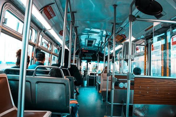 バスのルールは難しい…