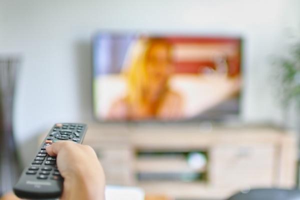 ボタンの数字が消えてる…… 我が家の使い込まれたテレビのリモコン