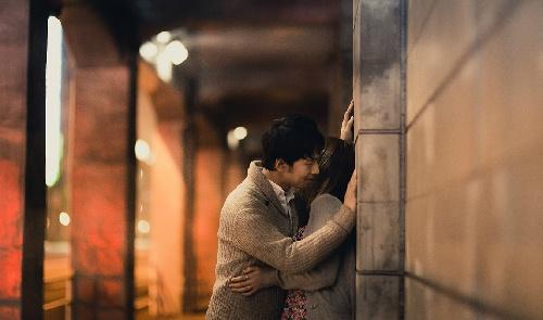 あなたは人前でキス、できますか?