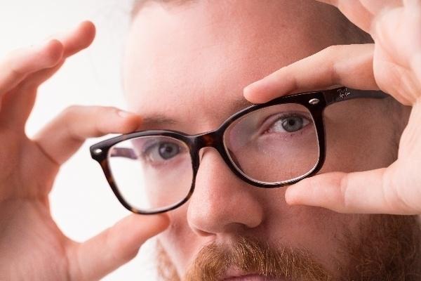 どのメガネ男子がお好きですか?