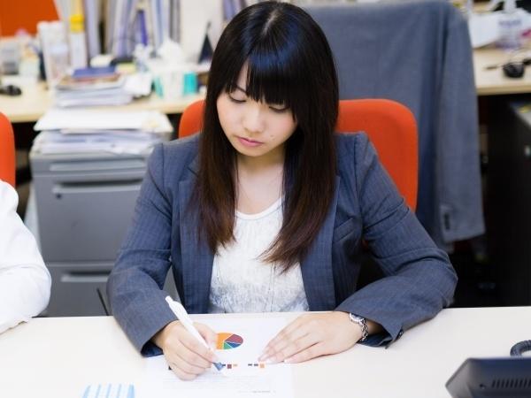 仕事に集中している人の深層心理は読み解きやすい!?