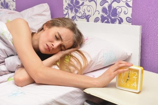 朝弱い人が寝坊せずに起きるコツ