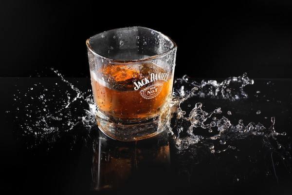 ウイスキーを飲んでいると、大人って感じしますよね