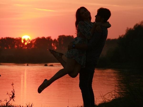 男性より女性の方が「略奪愛」に燃える傾向あり!?